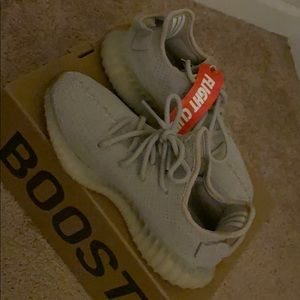 "Authentic Yeezy Boost 350 V2 ""Sesame"""
